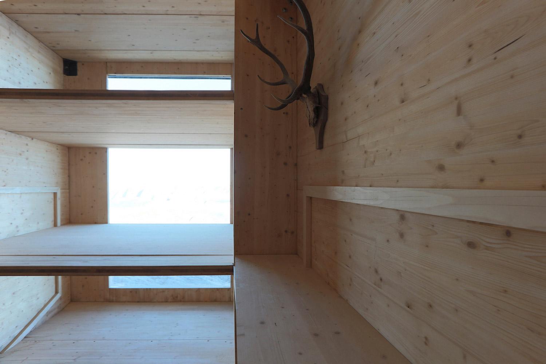 ofis-architects-alpine-cabin-05