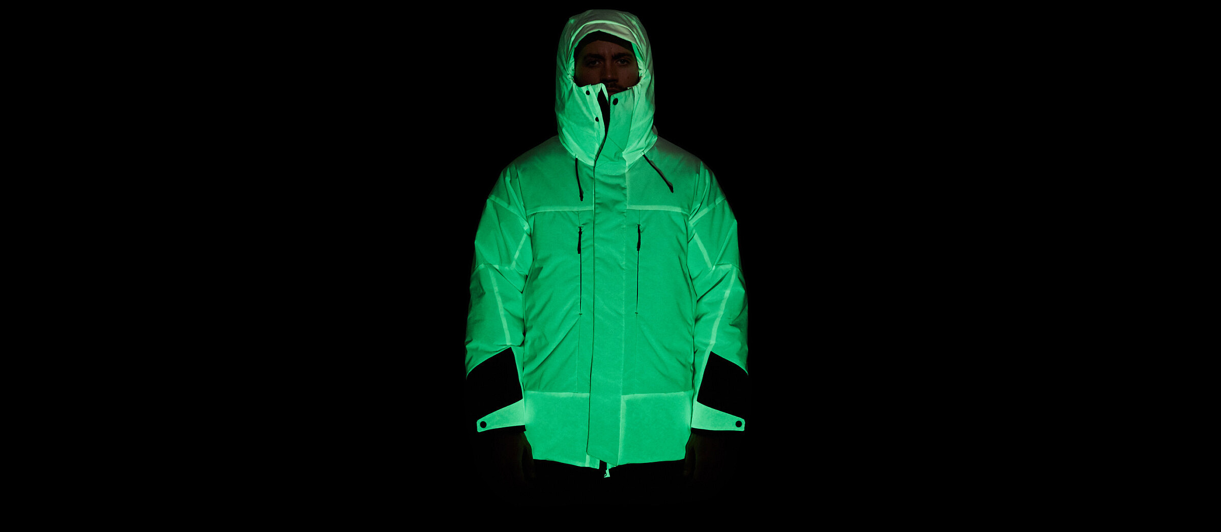 solar-charged-puffer-jacket-2752-435-2400x1047